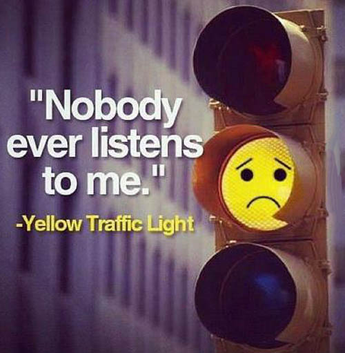 no-one-understands-me-yellow-traffic-light